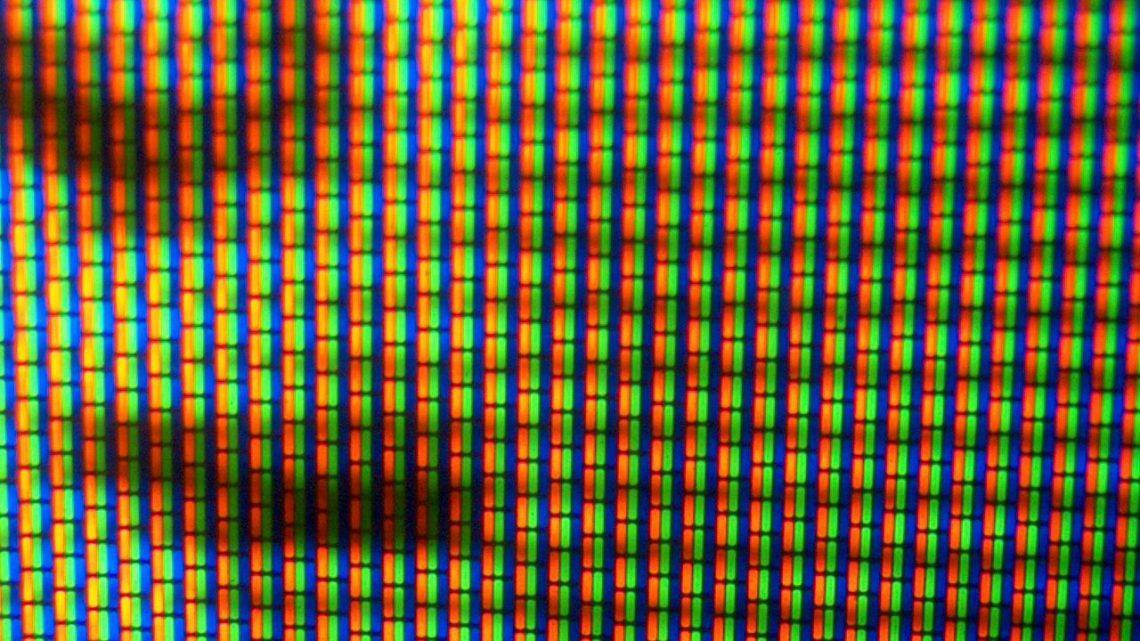 Na jakiej wysokości zawiesić telewizor na ścianie?